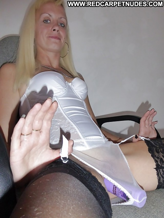 Naughty upskirt pictures