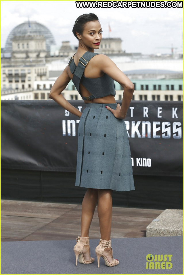 Zoe Saldana Pictures Hot Brunette Actress Celebrity Ebony