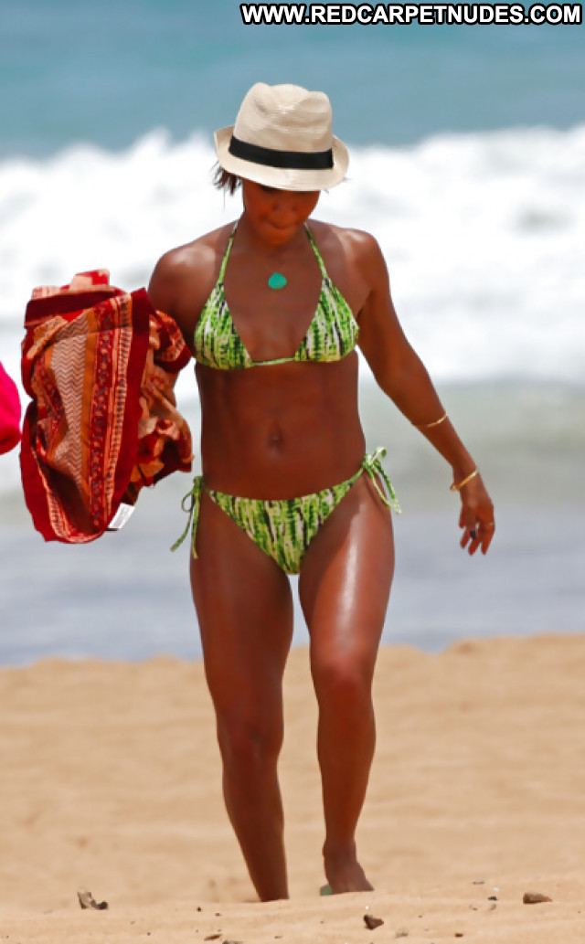 Jada Pinkett Pictures Booty Ass Celebrity Milf Hot Bikini Sexy Ebony