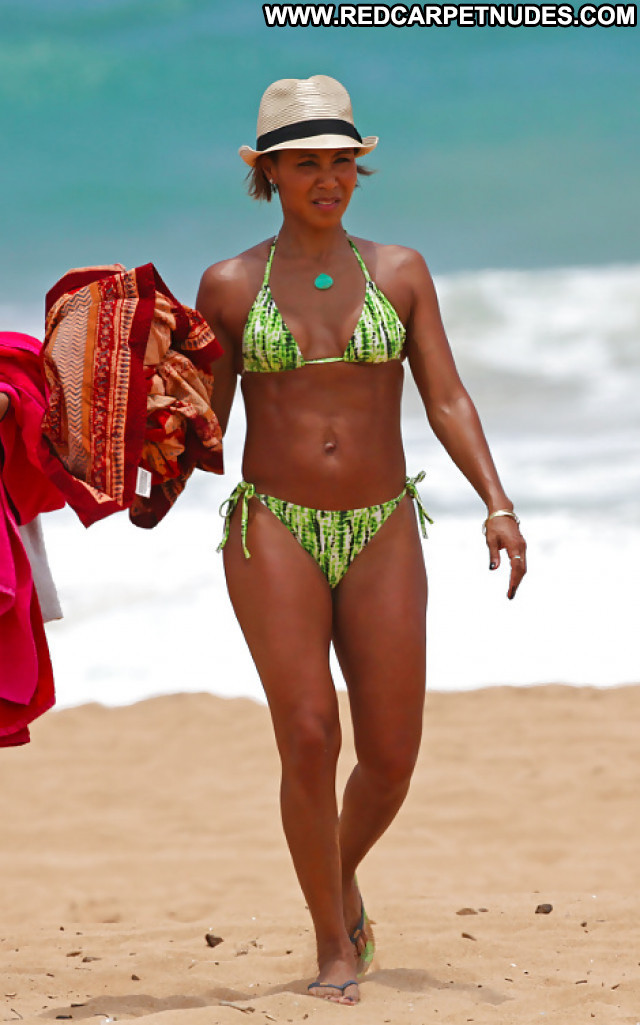 Jada Pinkett Pictures Bikini Sexy Booty Ass Milf Ebony Celebrity Hot