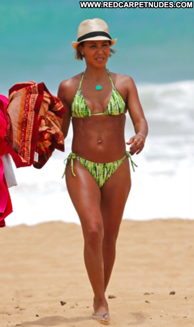 Jada Pinkett Pictures Hot Bikini Sexy Ass Ebony Booty Milf Celebrity