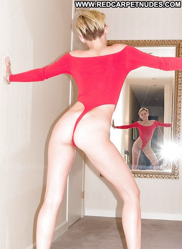 Miley Cyrus Pictures Celebrity Babe Ass Skinny Sexy Gorgeous Hd Nude