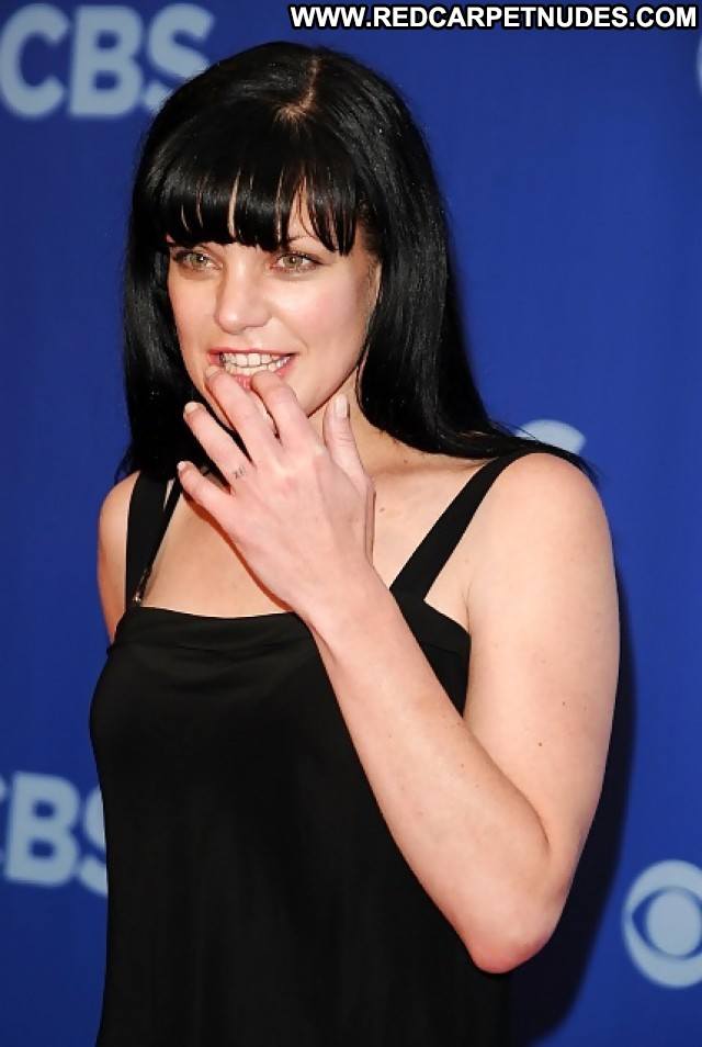 Pauley Perrette Pictures Brunette Babe Celebrity