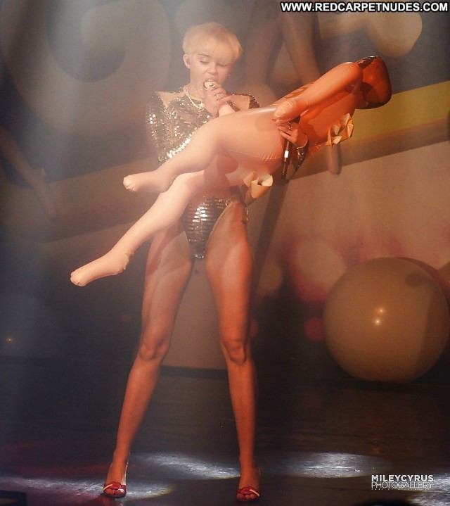 Miley Cyrus Pictures Hot Pornstar Celebrity Anal Doll Beautiful