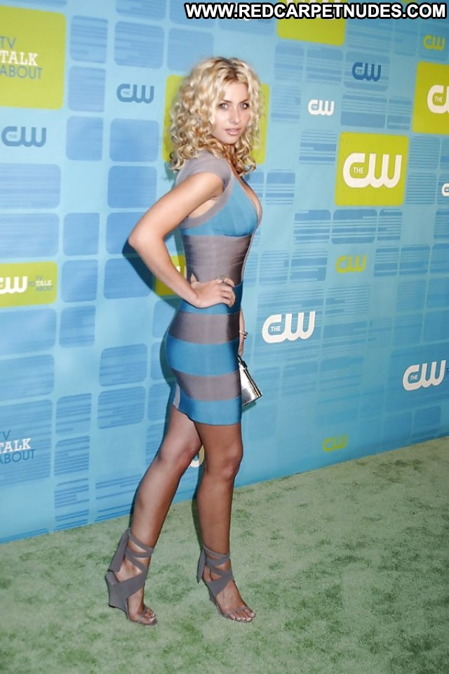 Aly Michalka Nude - 2 Pictures: Rating 8.80/10