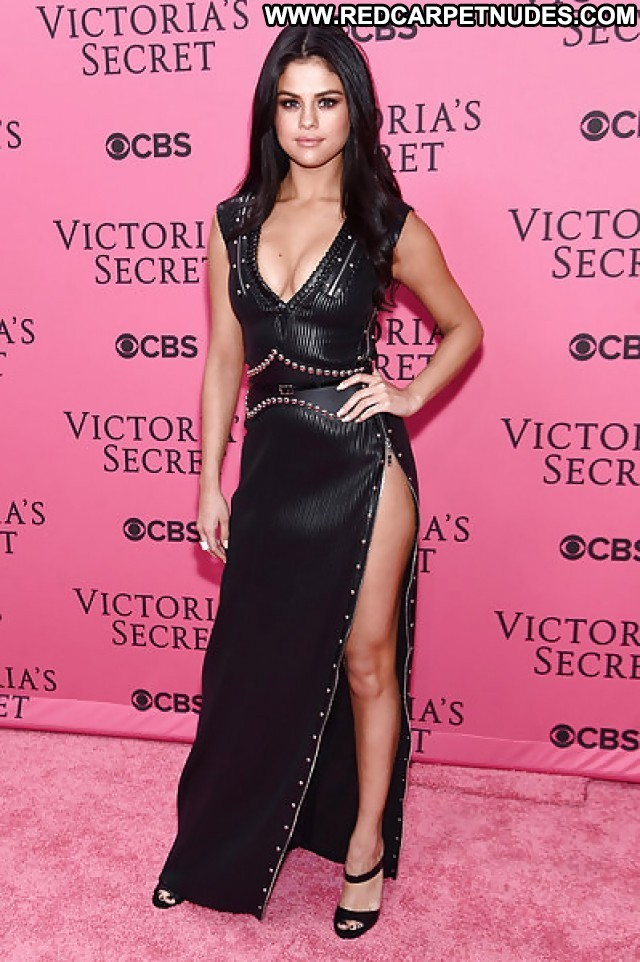 Selena Gomez Pictures Sexy Teen Celebrity Tits Hot Babe Female Cute
