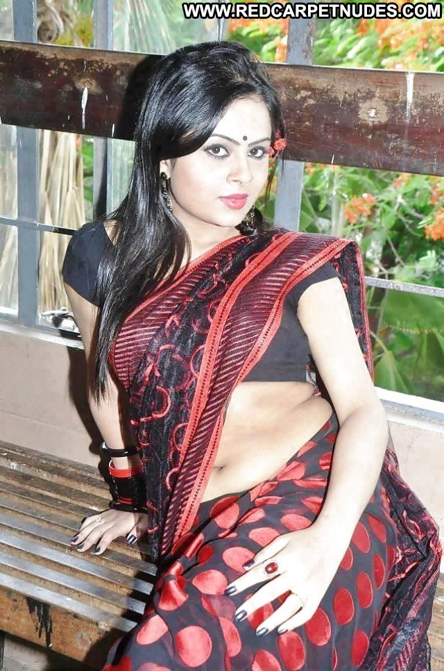 Girls Pictures Indian Asian Babe Sea Celebrity Hot