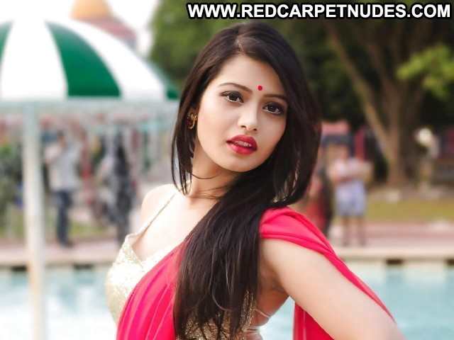Girls Pictures Asian Hot Indian Babe Celebrity Sea