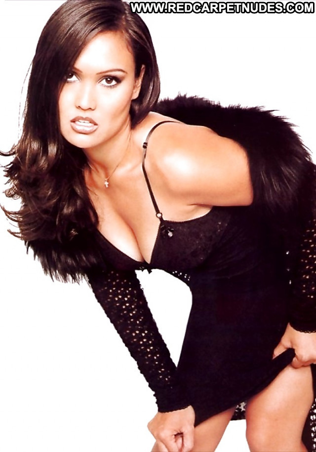 Tia Carrere Pictures Sea Sexy Gorgeous Hot Asian Celebrity Car